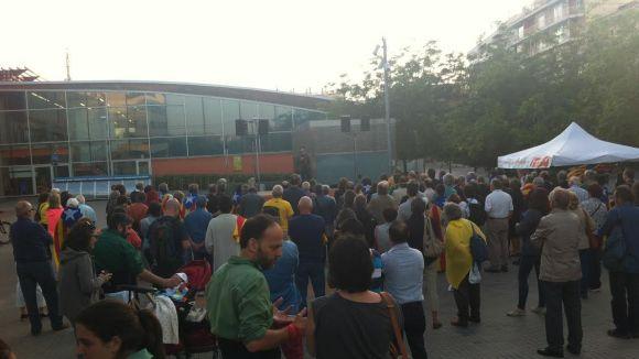 Prop de 200 santcugatencs reivindiquen l'educació en català