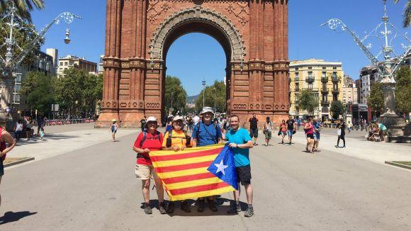 L'ANC i Òmnium Sant Cugat assagen la caminada fins a Barcelona per a la Diada