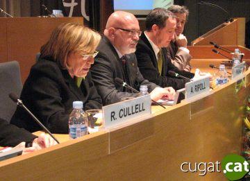 Anna Ripoll amb el conseller Huguet durant l'acte