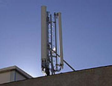 L'Ajuntament lluita amb sancions contra la instal·lació il·legal d'antenes de telefonia mòbil