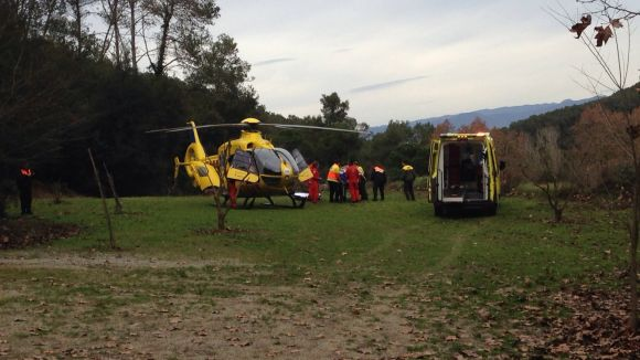 Evacuen en estat greu un ciclista accidentat a Can Janer