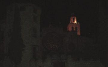 Sant Cugat apaga el seu edifici més emblemàtic per donar suport a 'L'hora del planeta'