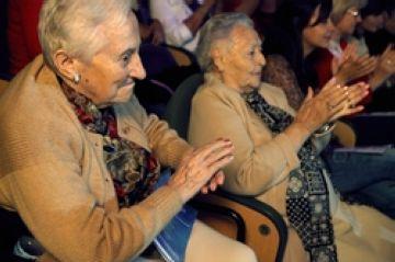 El Teatre-Auditori apropa la seva programació a persones en risc d'exclusió social