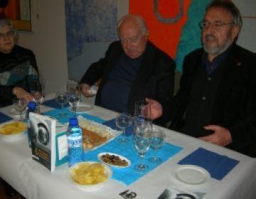 Arnau Puig ha presentat el seu llibre en companyia del galerista Josep Canals