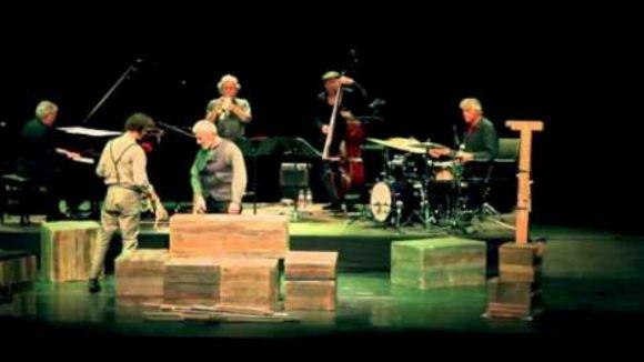 El projecte aplega música, paraula i circ / Foto: YouTube