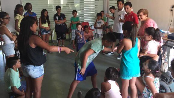 L'Associació Multicultural Sant Cugat tanca avui el curs d'estiu amb un acte