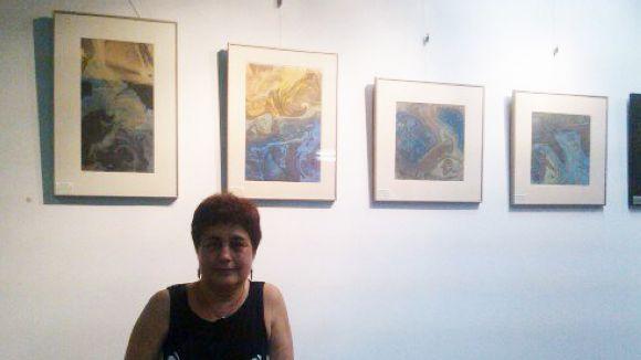 La santcugatenca Assumpta Osés reflecteix el mar en una exposició