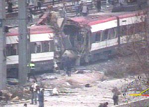 Una cadena d'atemptats ha fet saltar pels aires tres trens de Rodalia de Renfe.