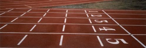 La pista d'ateltisme fa un pas endavant amb la gespa artificial