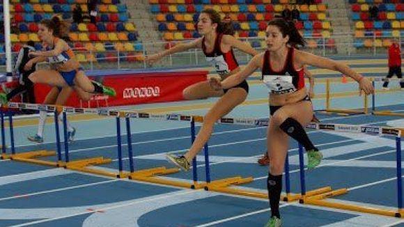 Els atletes del Muntanyenc destaquen, de nou, en el control de pista coberta