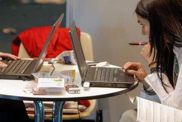 Els desocupats podran optar a cursos d'informàtica i noves tecnologies