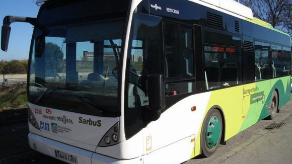 Canvi d'horaris a línia d'autobús interurbà B8, entre Sant Cugat i Terrassa