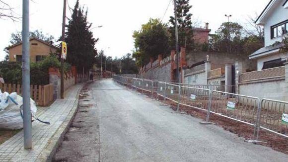 Obres a l'avinguda de Mas Fuster de Valldoreix per millorar l'accessibilitat de vianants i cotxes