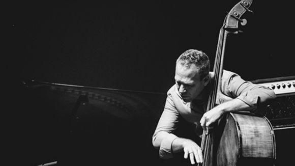 Avishai Cohen trio porta avui el ritme del jazz al Teatre-Auditori amb el disc 'From Darkness'