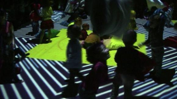 Llums, sons i colors fan ballar els més petits amb 'Baboo Experience'