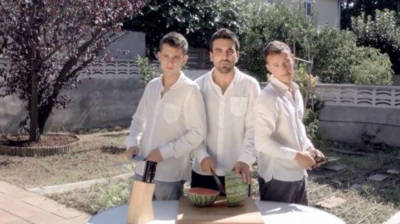 The CrazyCmos versiona 'Bailando', la cançó de l'estiu