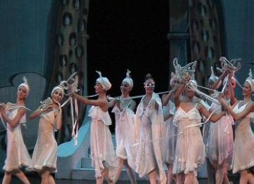 Les ballarines a un moment de la coreografia