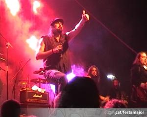 El rock omple el parc Ramon Barnils amb The Bon Scott Band i els Apache