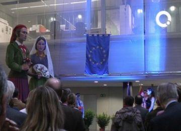 Sant Cugat rep la Bandera del Consell d'Europa i es postula per aconseguir la Placa d'Honor