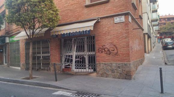 El bar La Esquinita del carrer de Martorell pateix un robatori de matinada