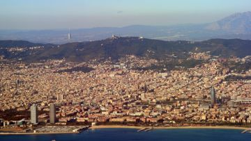 L'Ajuntament aposta per una aliança econòmica amb Barcelona
