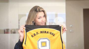 Judit Mascó dóna suport al Club Bàsquet Mira-sol a través d'un vídeo