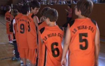 El Club Bàsquet  Mira-sol presenta els 11 conjunts davant la seva afició