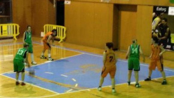 L'equip femení del Club Bàsquet Mira-sol derrota el Viladecavalls amb un gran últim quart