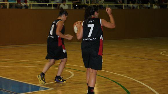 Alicia Hidalgo, amb la pilota, va ser la millor del partit