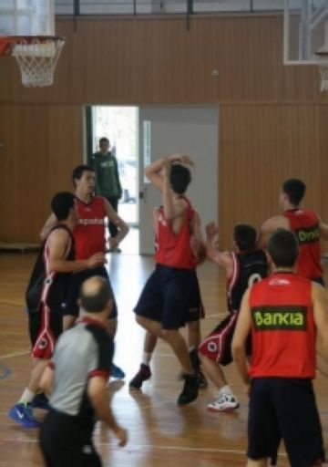 Els cadets de la UESC cauen però fan un bon partit contra la selecció espanyola cadet