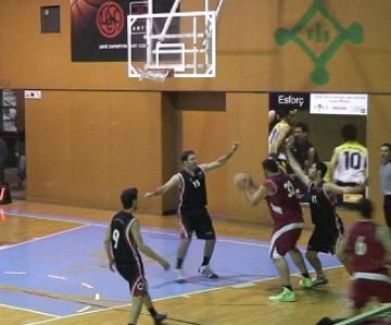 La Unió Esportiva Sant Cugat es retroba amb la victòria davant el Castellar