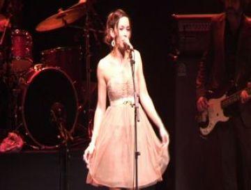 Beth ofereix un concert intimista al Teatre-Auditori per presentar el seu últim disc