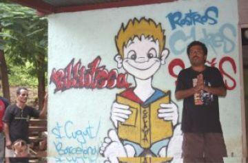 Onze joves de Sant Cugat de l'entitat 'Rostros, Colores i Sueños' construeixen una biblioteca a Nicaragua