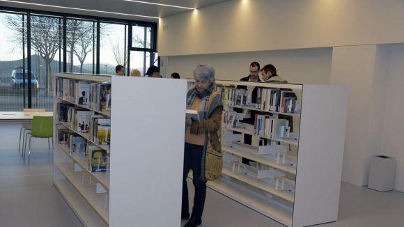 La biblioteca actua com a espai de trobada