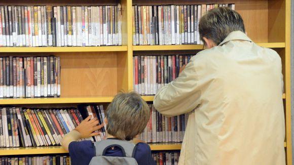 Augmenten un 13% els préstecs i baixen un 4% les visites a les biblioteques