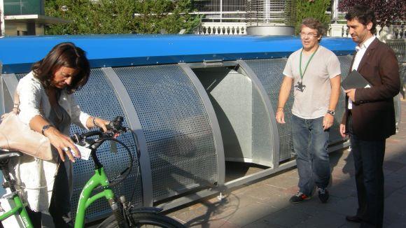 Les bicicletes ja es poden aparcar de manera segura al carrer