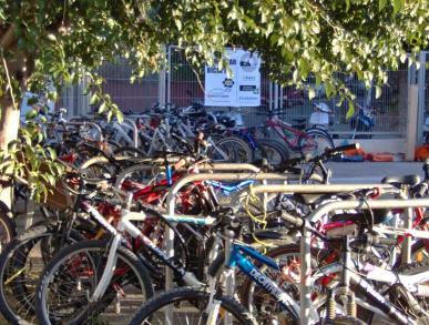 Lligar les bicicletes i disposar d'un número identificador, consells per evitar robatoris