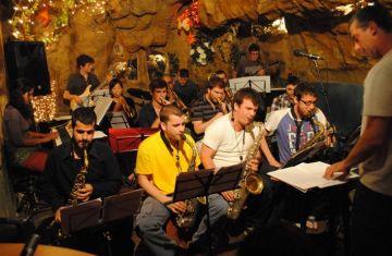 La Big Band de Sant Cugat comença avui la gravació del seu primer disc