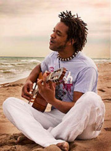 Bino Barros fa moure el Cafè Auditori a ritme de música capverdiana