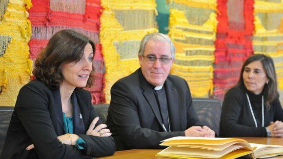 El bisbe Josep Àngel Saiz visita Sant Cugat