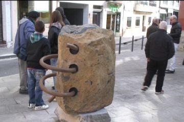 Els mitjans de comunicació locals, homenatjats amb una escultura