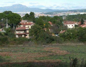 Bombers de la Generalitat rescaten una dona a la zona de les Bobines, a Valldoreix