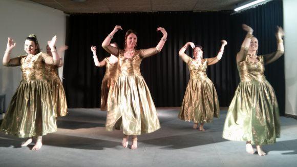 La jornada ha comptat amb una exhibició de ball de Bollywood