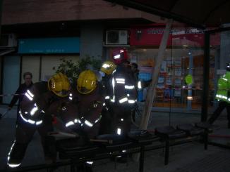 Quatre intoxicats lleus a causa de l'incendi d'un pessebre