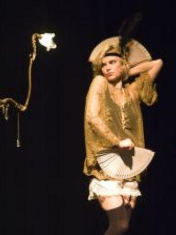 La poesia eròtica converteix la Casa de Cultura en el 'Jardí de les malícies'