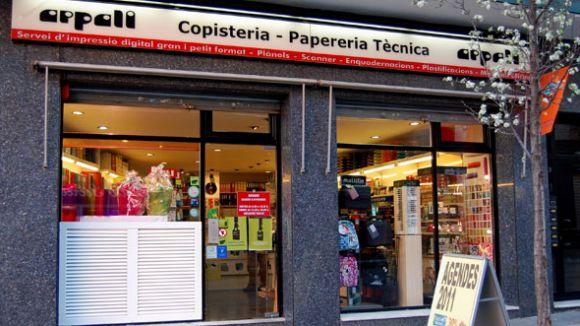 La Generalitat insta els comerços a saltar-se la llei espanyola