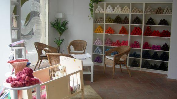 La botiga Llanes del Món obre les seves portes
