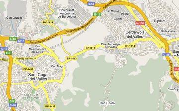 La carretera que uneix Cerdanyola amb Sant Cugat, tallada sis mesos des del castell de Sant Marçal
