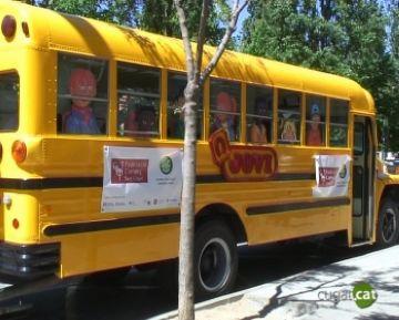 L'autobús infantil de la Federació de Comerciants intenta dinamitzar la zona de Coll Favà