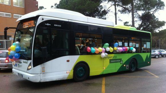 L'AMPA de La Floresta celebra l'aniversari de l'arribada de l'autobús amb noves reivindicacions